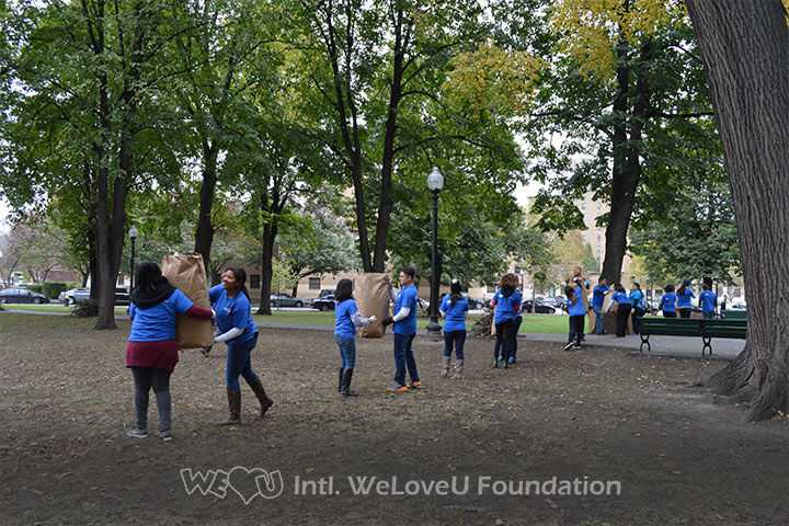 WeLoveU volunteers clean Franklin Square Park