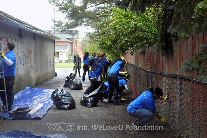 WeLoveU volunteers clean up trash in Lockport, NY