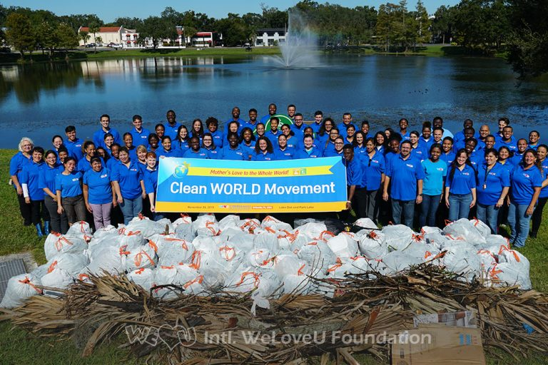 Group photo of WeLoveU volunteers in Downtown Orlando